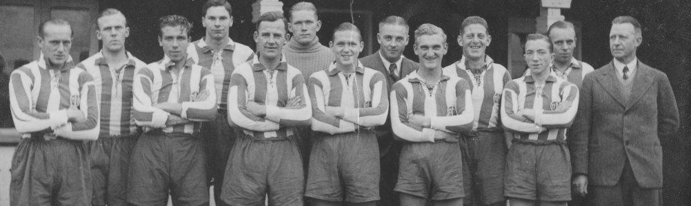 Se holdbilleder fra 1930'erne og frem til 1990'erne.